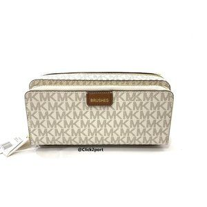 Michael Kors Cosmetic Pouch Case.Vanilla. NWT